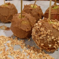Date-Caramel Apples